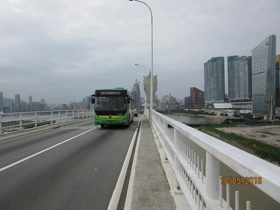 Amizade Bridge (Bridge of Friendship)