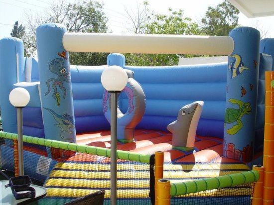 Melissi, Yunanistan: inflatable game