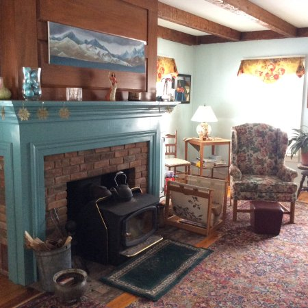 Roxbury, VT: The Keeping Room, where plans are made and hearts & hands are warmed by the wood stove.