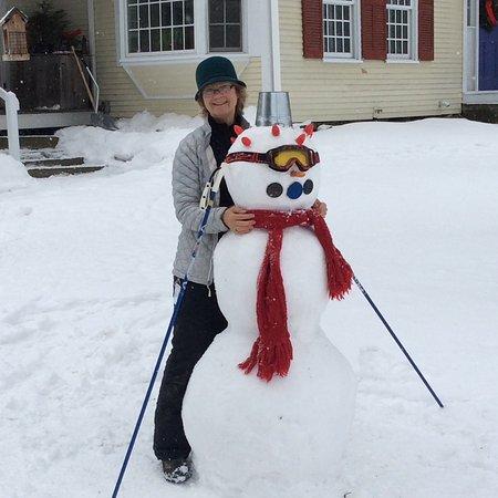 Johnnycake Flats Inn: Snowman