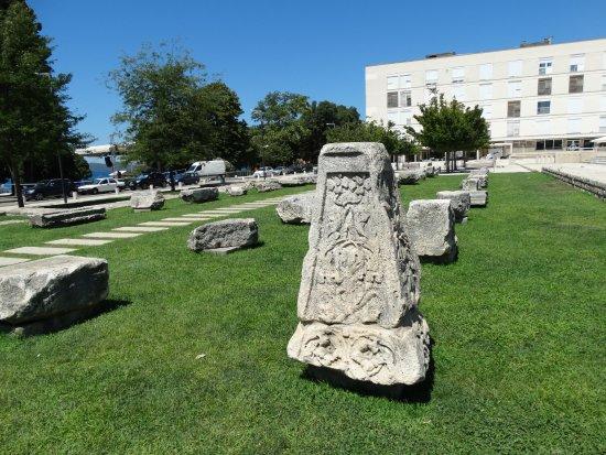 The Forum: Fragmenty budowli rzymskich