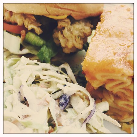 Deadman's Cay, Long Island: Conch Burger, Liz's famous macaroni and coleslaw