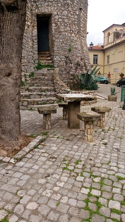Bassiano, Italien: Particolare del borgo