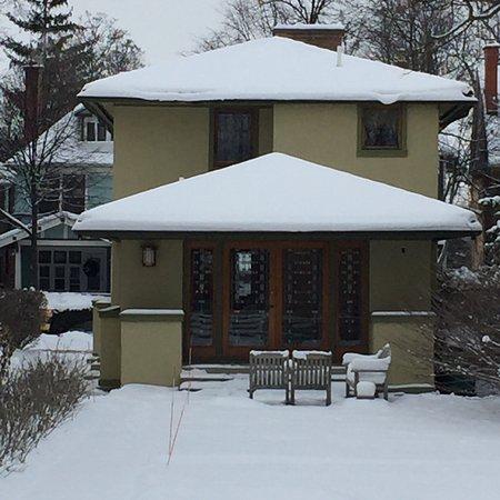 Frank Lloyd Wright's Darwin D. Martin House Complex: photo1.jpg