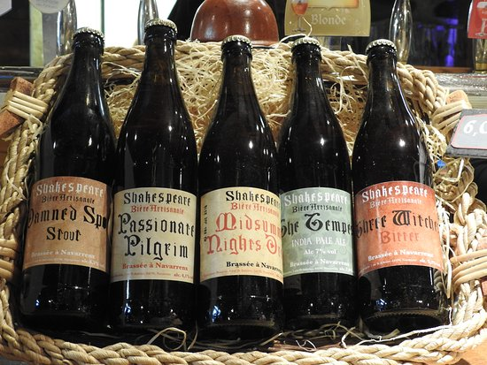 Navarrenx, France: Juste une petite bière...