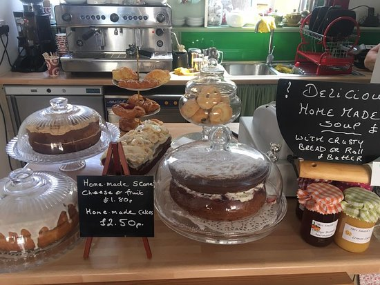 Bexhill-on-Sea, UK: cake selection