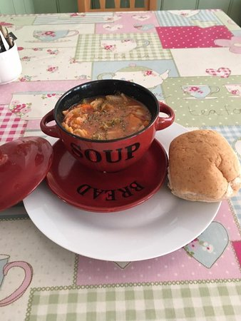 Bexhill-on-Sea, UK: Soup of the day ... minestrone