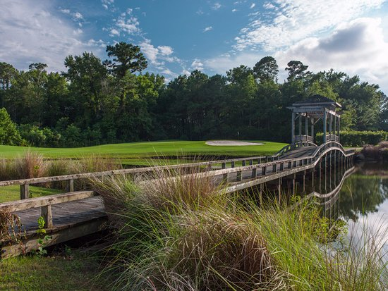 Powells Point, NC: Outer Banks Golf Course with incredible landscapes. Fun and playable!