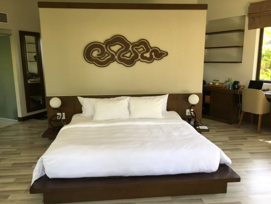 The Shells Resort And Spa Phu Quoc Extra Large King Bed