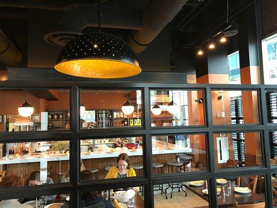 Salle à la décoration soignée. - Picture of Babbo Pizzeria, Boston ...