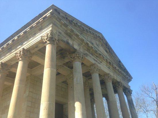 Arenas de Iguna, สเปน: Podría ser un templo griego o romano