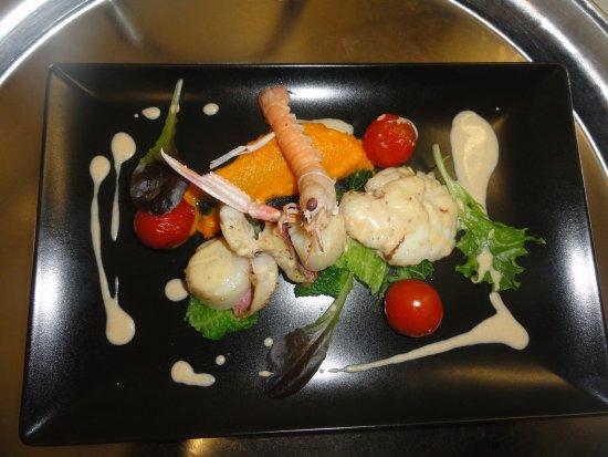 Limerzel, Frankrijk: Assiette du pêcheur,crèmeux crustacés