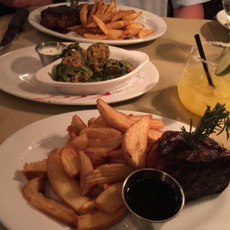 Holdren's Steaks & Seafood: photo0.jpg