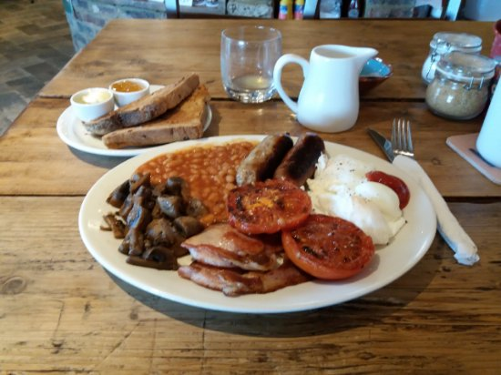 Bexhill-on-Sea, UK: Full English - perfect way to start the day.
