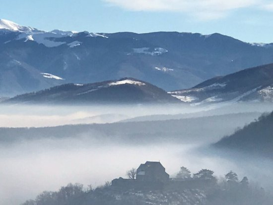 Cisnadioara, Rumania: View from a trek on boxing day