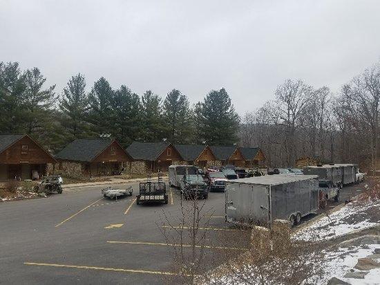 Bluefield, WV: Mid week parking lot