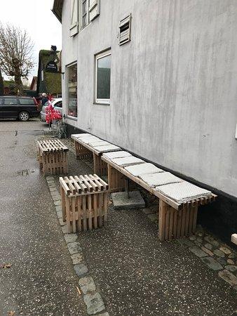Soenderho, Δανία: Tag plads og nyd din sandwich hos De Tre Søstre i Sønderho