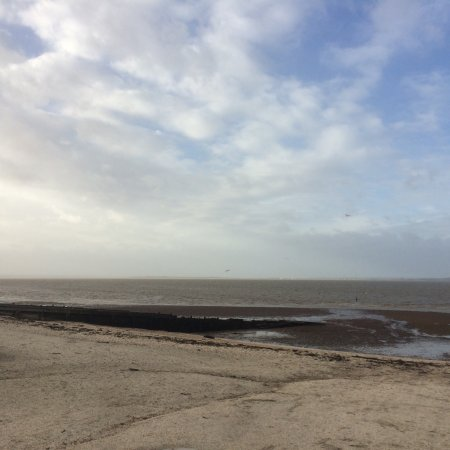 Whitstable, UK: Reeves Beach at low tide in Winter