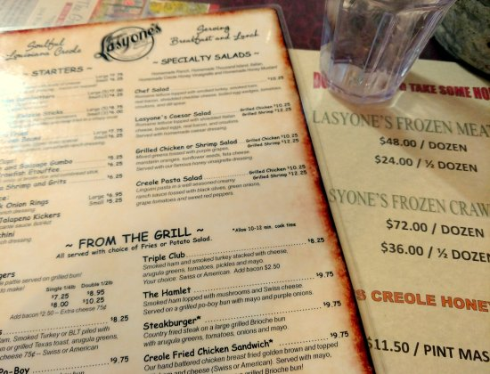 Lasyone's Meat Pie Kitchen : le menu
