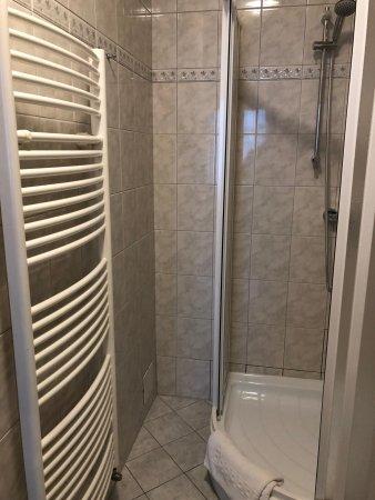 Hotel Pod Vezi: Shower