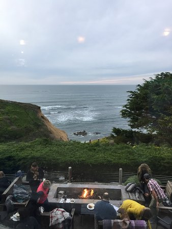 Moss Beach, แคลิฟอร์เนีย: awesome view for dinning inside or out