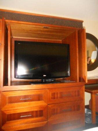 Courtyard Kaua'i at Coconut Beach: tv in drawered unit
