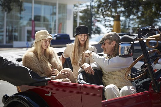 90-Minute Napier Vintage Car Tour and...