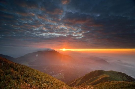 プライベート台北日の出と陽明山国立公園ツアー