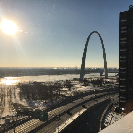 Hampton Inn - St. Louis Downtown at the Gateway Arch: photo0.jpg