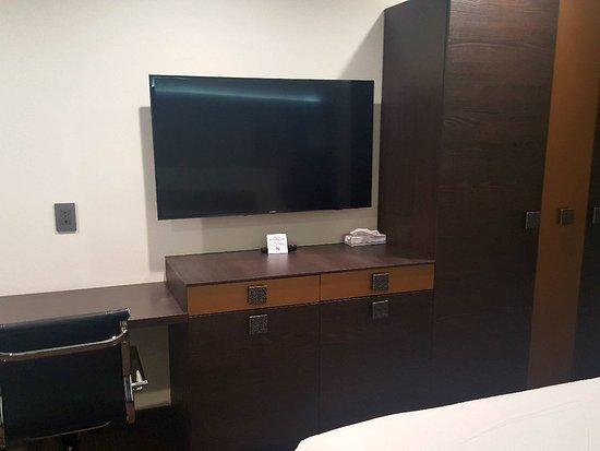 Hotel Xilo Glendale: 20171218_232454_large.jpg