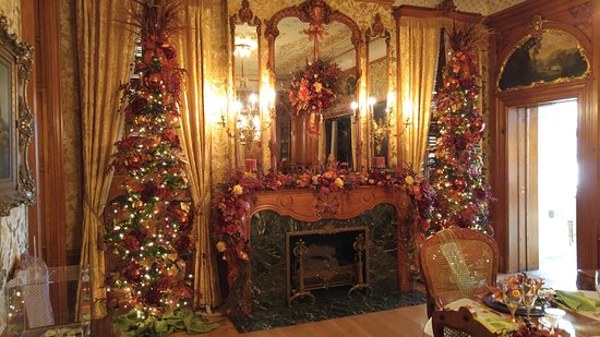 Pabst Mansion: One Fireplace