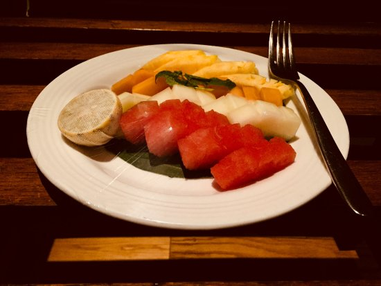The Lalit Great Eastern Kolkata: Complimentary Fruit platter in room...