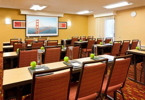 San Bruno, CA: Meeting room