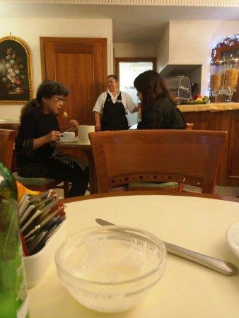 Amalfi Hotel: TA_IMG_20180101_081422_large.jpg