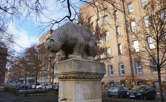Bear Fountain