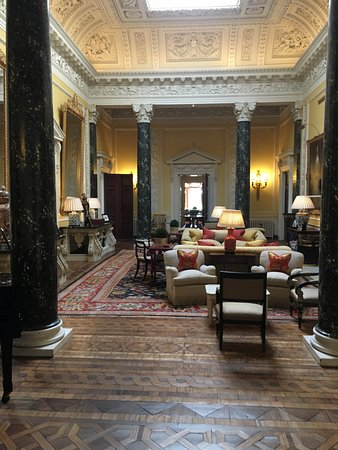 Ballyfin Demesne: One of the fabulous rooms to sit and relax.