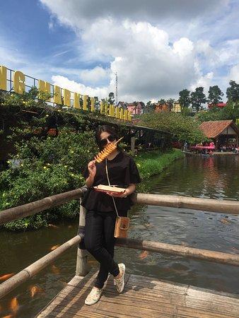 Area Kuliner Picture Of Floating Market Lembang Lembang