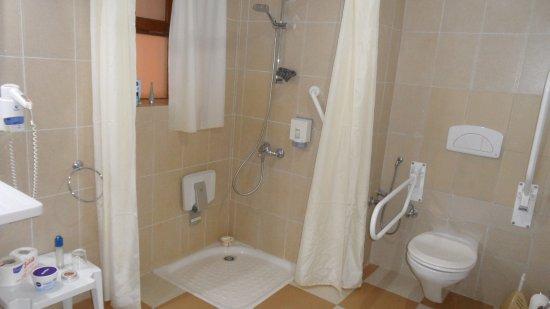 Three corners rihana resort behinderten badezimmer