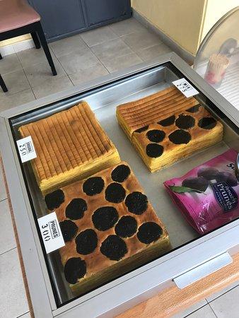 Batam Layer Cake Review