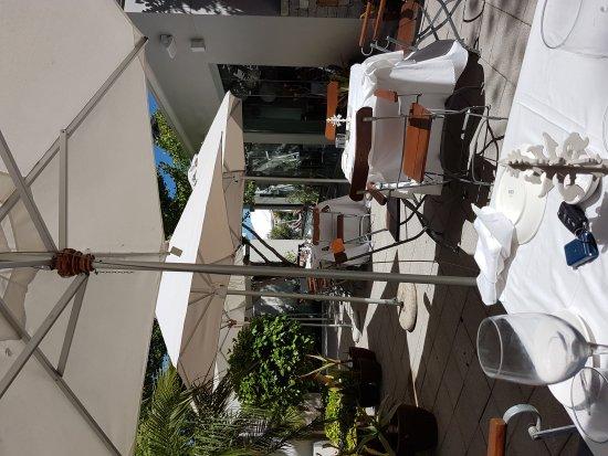 The Small Restaurant: 20180101_152518_large.jpg