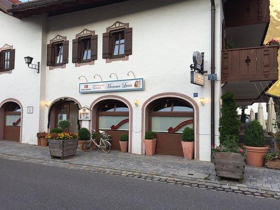 """Esterno del ristorante """"da mamma Lucia"""" a Mittenwald"""