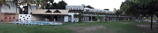 Hotel Sun Bay: vista hacia uno de los sectores de habitaciones