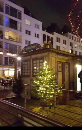 Heumarkt christmas market picture of heumarkt cologne tripadvisor - Exquisit mobel koln ...