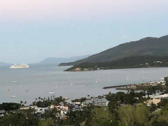 Sea Star Apartments: linda vista