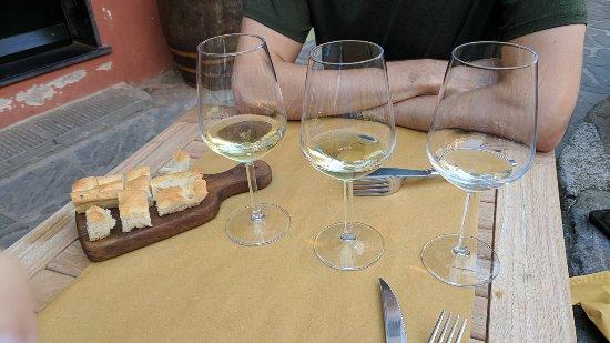 Vineria Santa Marta: Wine tasting