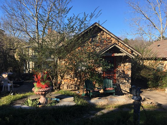 Rock Cottage Gardens B&B Inn: Cabin 4