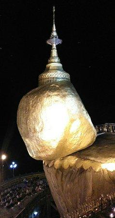 Kyaikto, Myanmar: Golden rock pagoda