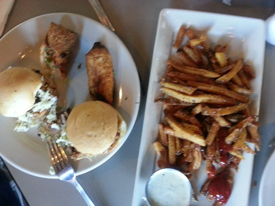 Carolina Brewery: Pork sliders, eggrolls and fries