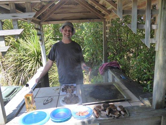 Nga Manu Nature Reserve: well set up barbecue facility