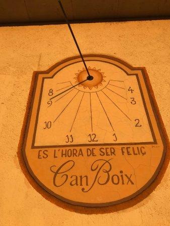 Peramola, สเปน: Gran Mensaje Permanente, para un reloj autentico de Sol. Un privilegio hoy en dia.